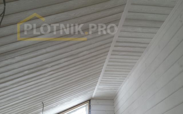 Потолок из лиственницы