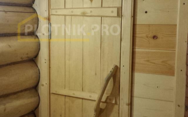 Конопатка сруба ручной рубки