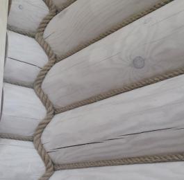 Монтаж декоративного каната в срубах, деревянных домах