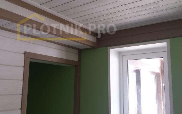 Отделка стен и потолка брашированным деревом